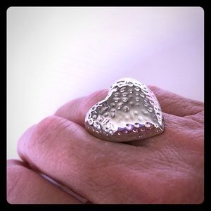 """Lia Sophia NWT Retired """"Queen of Hearts"""" Ring"""